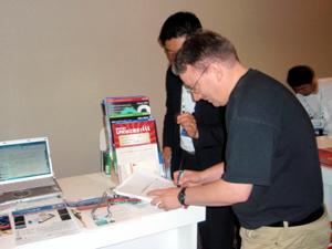 今回、Linusより、特別にサインをいただいた様子